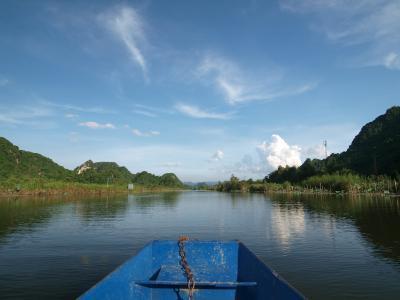 ニンビン省から香寺 chùa H??ng  に、ご機嫌ツーリング。でも数々の不愉快事件。。。それがベトナムの旅。。。