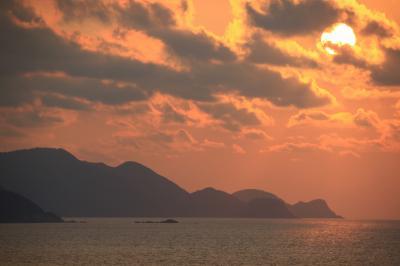 日本海の夕陽と美味しい料理をいただきに出かけてきました
