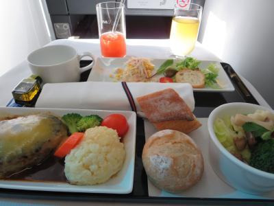 2015年11月【1】ANAビジネスクラスで行く「世界遺産」ハロン湾とハノイ満喫の旅(出発・ANA857便・機内食紹介)