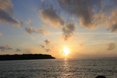 写真で伝える今年3回目の沖縄2日目・・・朝食バイキング~虹~ホテル散策~名護で夕陽~ステーキハウスjam~月夜