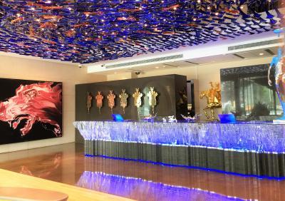 2017 AUG 真夏の北京(1/6) 『 エクラ北京 』 現代美術館といっていいほどの面白ホテル Parkview Green (前)