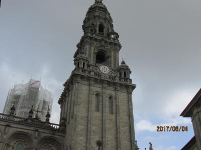 イベリア周遊の旅(23)サンチャゴ大聖堂の裏通り。