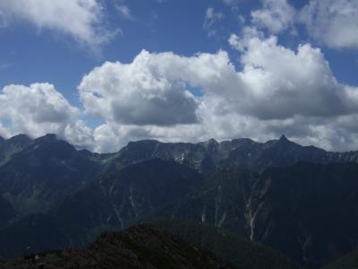 常念岳:槍ヶ岳を間近に見るために