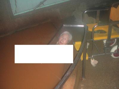 2005年(平成17年)5月有馬温泉と六甲山を訪問(11月車イスの母と有馬温泉(H花子宿の金の湯入浴)まで遠出をします。)