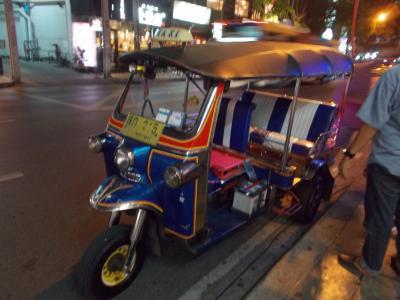 バンコク随一の 日本人通りの 華やかな夜。。いわくつきの通り 前回・ガイドライン違反で公開取消 (28の18)You Tube 坂本冬美 カバー曲 30本