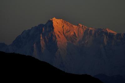 ヒマラヤ西端の地を行く 7ナンガーパルバットの日没と日の出、デオサイ高原を去りギルギットへ