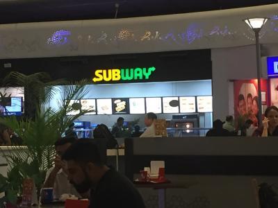 デリー空港のSub Way