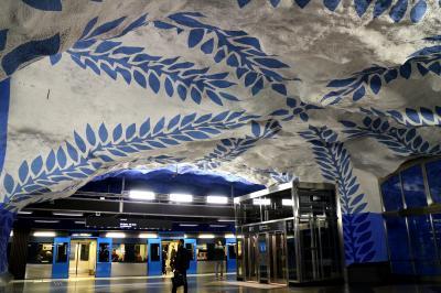 秋だ~大人の季節だ~どっかお出掛けしたぁ~い(^o^)/パスポート持って!そうだ北欧に行こ~~ストックホルム「世界一長い美術館」