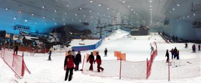 ドバイでスキー