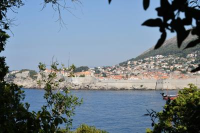 クロアチアメインの旧ユーゴ4ヶ国と最後に少しオーストリア1人旅 その3:ドゥブロヴニク編③ 旧港から行くロクルム島散策と旧市街も少しだけ