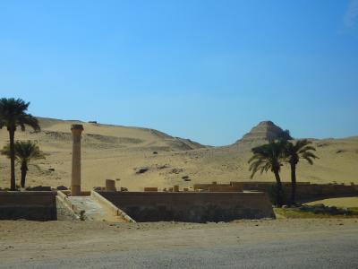 プライベートツアーで巡るエジプト:カイロ街歩きとサッカラ・ダフシュールのピラミッド群