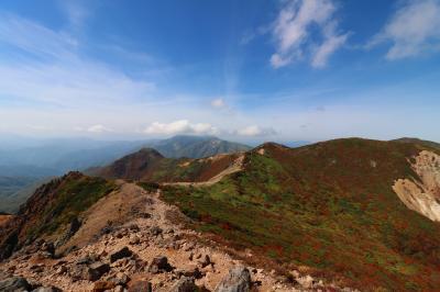ブララブコー 「山は紅葉シーズン到来! 茶臼岳~朝日岳縦走」