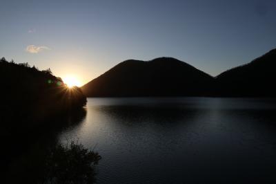 紅葉の北海道 ~ 旭岳・層雲峡・美瑛・富良野・タウシュベツ川橋梁・然別湖 <概要> ~