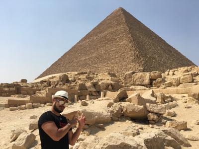ピラミッドからパワーもらいにカイロへGO!