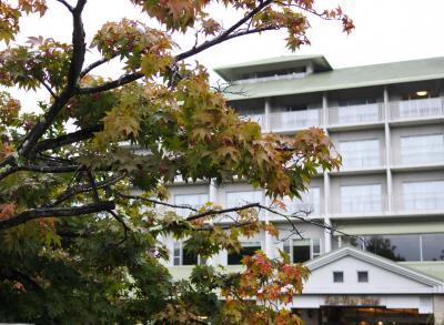 富士ビューホテルの紅葉はもう少し先(10月15日)