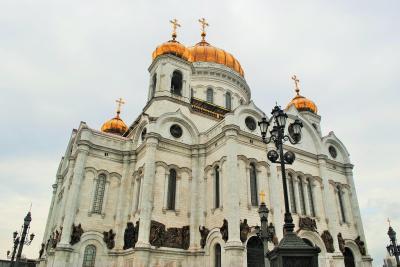ちょこっとモスクワで2泊 その7    救世主キリスト大聖堂からプーシキン美術館の本館へ。