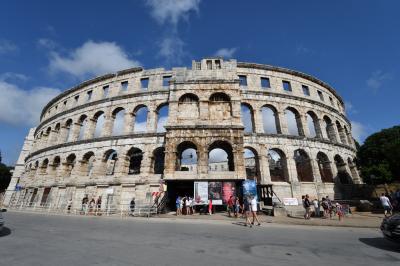 クロアチアメインの旧ユーゴ4ヶ国と最後に少しオーストリア1人旅 その14:プーラ編① イストラ半島の南端に位置し,ローマ時代には通商の中継地として栄えたイストラ半島最大の都市