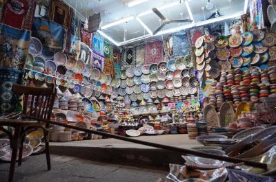 言葉はわからなくてもチュニジアは楽しめる (5) チュニスに戻っても市場巡り
