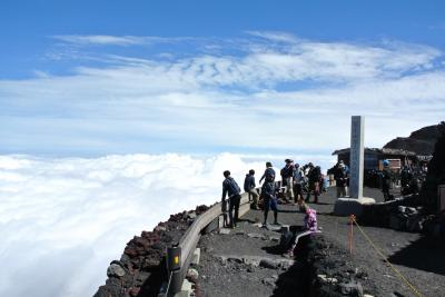 9歳息子と富士山登頂。標高3776mではやっぱり高山病。