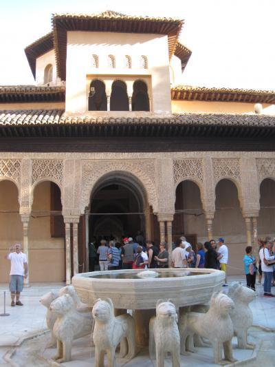 世界遺産「グラナダ」名所は「アルハンブラ宮殿