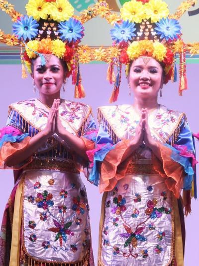 ツーリズムEXPO-9 インドネシアc 伝統舞踊パフォーマンス ☆南スマトラのシャクヤキルティ・ダンス