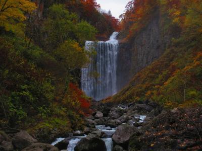 すご過ぎる大田山神社とすばらしい紅葉と賀龍の滝と美しい海岸線