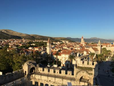 ベオグラードから入るクロアチア・スロベニア周辺5カ国周遊旅行 クロアチア、トロギール編