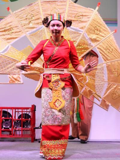 ツーリズムEXPO-11 ミャンマーb 少数民族舞踊 仏教の影響濃く ☆観音さまに因む華麗な舞