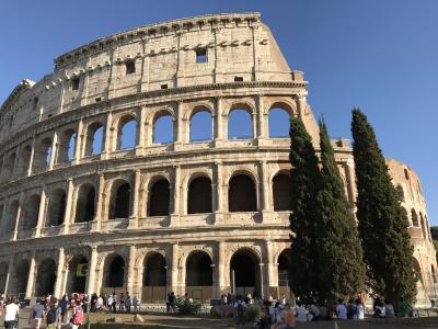 Barcelona & Roma 2/3 : 石畳でアップダウンが多いローマの街を徒歩で巡る。