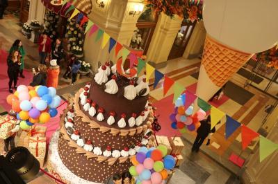 お菓子みたいな街モスクワ:憧れのヴェルニサージュ市場&赤の広場へ!!~弾丸ロシア旅行②
