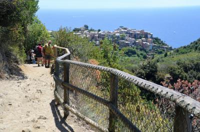 ヴェルナッツァからコルニリア間のハイキングに挑戦