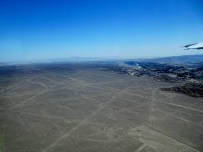 ナスカの地上絵と砂漠