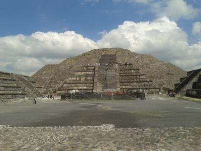 メキシコで死者の日体験とカンクン女1人旅(3) テオティワカン観光