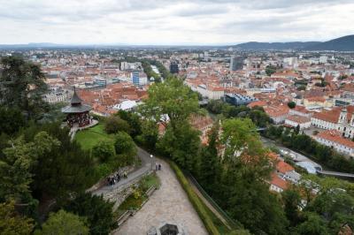 クロアチアメインの旧ユーゴ4ヶ国と最後に少しオーストリア1人旅 その20:グラーツ編 14世紀にはハプスブルク家の都となった,イタリア・ルネサンス風の建築物に南欧の明るさを感じる世界文化遺産の古都