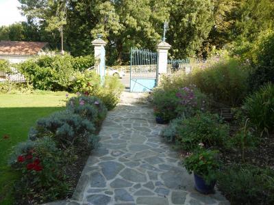 フランスの美しい村を訪ねて(16)リムーザン地方
