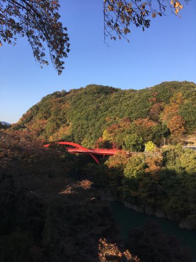 JR駅からハイキング <大間々散策と紅葉映えるわたらせ渓谷>