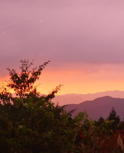 高野山⇒紀州南部ロイヤルホテル バス車窓から ☆山かげに日は落ちて