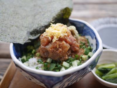 平日、出社前に江ノ島で漁師飯を食べに行く。