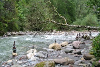 2017年 チロルでハイキングと街歩き 夫婦二人旅(7)秘境クンドラー渓谷 Kundler Klamm へハイキング+ちょっと石採り
