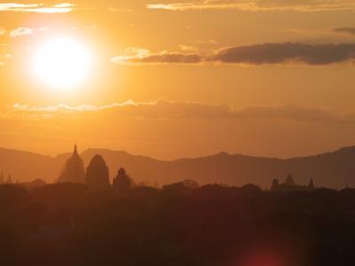 神秘の国ミャンマーで遺跡巡りの旅 その2-2 〜 電動バイクでバガン散策! 世界三大仏教遺跡と絶景の夕陽! 〜