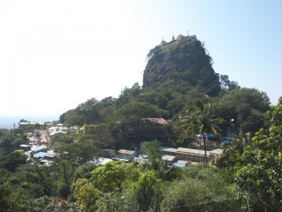 神秘の国ミャンマーで遺跡巡りの旅 その3-1 〜 現地ツアーでポッパ山観光! そびえ立つ岩山山頂からの景色は360度パノラマ! 〜