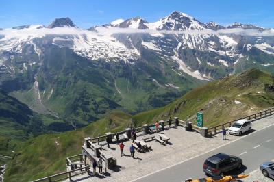 オーストリア・グロースグロックナー山岳道路を走る