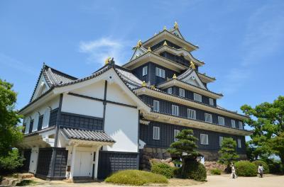 後楽園は岡山城の隣にあります