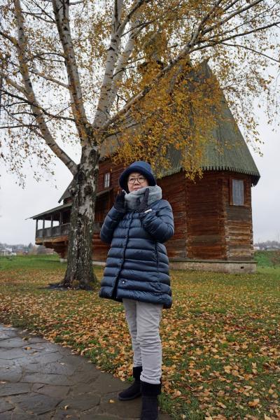 初冬のロシア旅(9) スーズダリのクレムリンを見学した後は、スビテンを飲みながら蜂蜜酒を買い求めホテルで爆睡する。