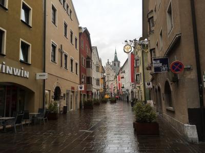 2017年 チロルでハイキングと街歩き 夫婦二人旅(8)銀で栄えた中世の街並みが残るシュヴァーツSchwazを歩く