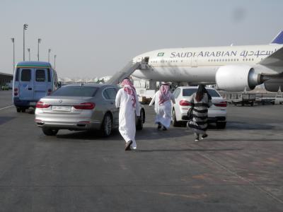2017OCT⑤SVサウジアラビア航空ビジネスクラス搭乗記・新機材B787-9&A330-300・カイロ空港で一番イケてるサウジアラビア航空のラウンジにお邪魔しました。