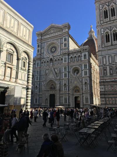 トスカーナの休日フィレンツェ、サンジミニャーノ、シエナとチンクエテッレ