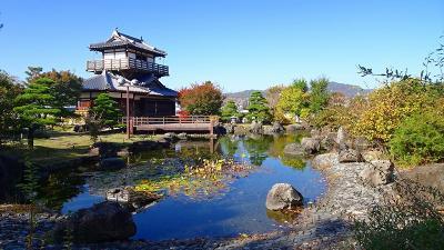 青空に誘われ、池田城址公園へ紅葉を探しに行きました 下巻。