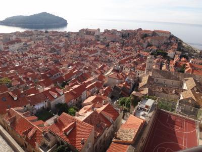 碧く輝くクロアチア・ドゥヴロヴニク城壁歩きとクルーズ(前半)(10)