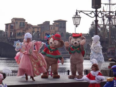 『東京ディズニーシー』の2017「クリスマス・ウィッシュ」 ② 一般の方は入れないTDSのラウンジはフリードリンク&期間限定デコレーション♪ ダッフィー&シェリーメイも登場するミュージカルショー「パーフェクト・クリスマス」、「カラー・オブ・クリスマス」、「スターブライト・クリスマス」